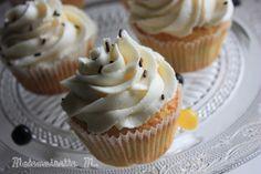 cupcakes mickey caché inside cake hidden mickey mouse vanille chocolat