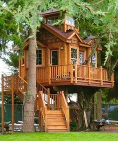 How To Build A Treehouse ? This Tree House Design Ideas For Adult and Kids, Simple and easy. can also be used as a place (to live in), Amazing Tiny treehouse kids, Architecture Modern Luxury treehouse interior cozy Backyard Small treehouse masters Beautiful Tree Houses, Cool Tree Houses, Beautiful Homes, Beautiful Dream, Pallet Tree Houses, Amazing Houses, Wooden Houses, Amazing Buildings, Beautiful Things