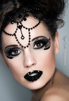 Black lace-look eye makeup with black bejeweled lips. - Love this look, so dramatic. Thought of you Stephen Dimmick Make Up Looks, Makeup Art, Hair Makeup, Witch Makeup, Extreme Makeup, Fantasy Make Up, The Ghostbusters, Foto Fashion, Costume Makeup