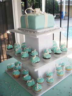 Tiffany and Co Cake  click on link for more fab Tiffany and Co. party ideas