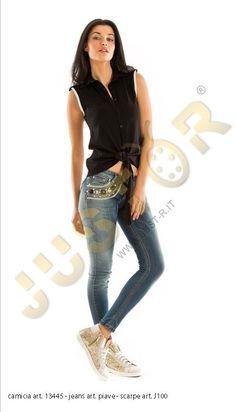 CAMICIA ART. 13445 - http://www.just-r.it/shop/en/camicie/488-camicia-art-13445.html  Jeans Art. PIAVE - http://www.just-r.it/shop/en/jeans/571-jeans-art-piave.html  SCARPA ART. J100 - http://www.just-r.it/shop/en/scarpe/362-scarpa-art-j100.html