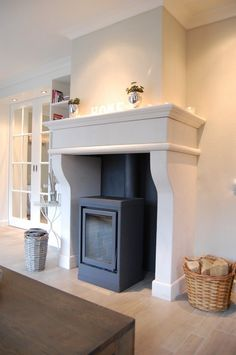 Love this fireplace❤️ New Homes, House, Classy Furniture, Home, Modern Living Room Interior, Wood Burning Stove Corner, Fireplace, Cosy House, Home Decor