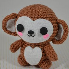 Have you seen my April favorites post yet? This cutie is in it as well. And a lot of beauty of course^^ The link is in the bio ♥ #april #favorites #beauty #crafts #crochet #amigurumi #monkey #potd #fotd #instadaily #tagsforlikes #blogger #beautyblogger #blogger_de #kbeautyblogger #etudehouse #missha #essie #catrice #germanblogger #미샤 #에뛰드하우스 #cute #kawaii #creativity