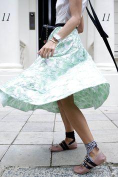 london-londres-dress-vestido-lady-lfw-fashion-week-emilio-de-la-morena-miu-miu-ballerinas-chanel-vintage-bag-look-bartabac-outfit-moda-blogger-31