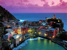 Situated in the north of Italy, Cinque Terre features green hills, stretches of vineyards, villages in the frame colorful blue sea and a row of small boats that will enchant anyone who visited the city overlooking the sea.    Cinque Terre means five Regions. There are five small villages leading from north to south, namely: Monterosso al Mare, Vernazza, Corniglia, Manarola and Riomaggiore.