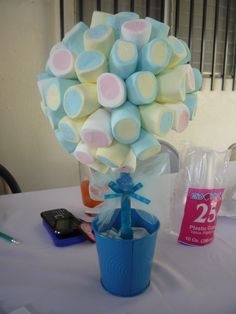 Marshmallows centerpieces for a baby shower // Centros de mesa de marshmallows para baby shower #Centerpieces #babyshower