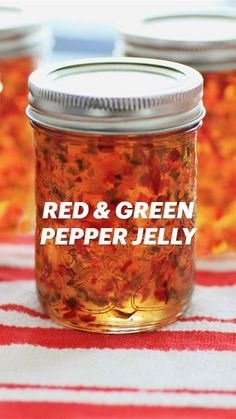 Homemade Jelly, Homemade Sauce, Jam Recipes, Canning Recipes, Green Pepper Jelly, Pepper Jelly Recipes, Onion Jam, Christmas Appetizers, Special Recipes
