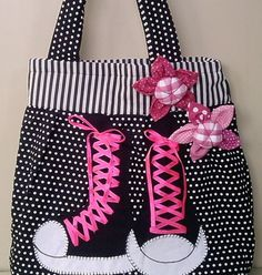 Polka Dot Bags, Recycle Jeans, Pencil Bags, Bag Packaging, Linen Bag, Bag Patterns To Sew, Denim Bag, Quilted Bag, Fabric Bags