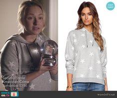Juliette's grey star print hoodie on Nashville.  Outfit Details: http://wornontv.net/48979/ #Nashville