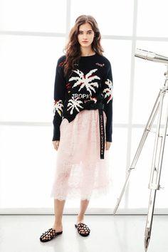 Ermanno Scervino Resort 2018 Collection Photos - Vogue Ermanno Scervino,  Fashion Skirts, Fashion Week 6281172beed