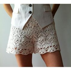 Cynthia - floral lace shorts