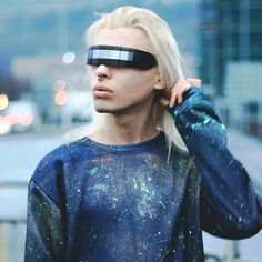 - Description - Measurements - Shipping - Futuristic monoblock wrap sunglasses that are sure to stand out on any planet. Features a plastic based frame, monoblock UV protected shield lens and pinned h Cyberpunk 2077, Cyberpunk Mode, Cyberpunk Fashion, Futuristic Technology, Wearable Technology, Technology Gadgets, Technology Design, Space Fashion, Fashion Design