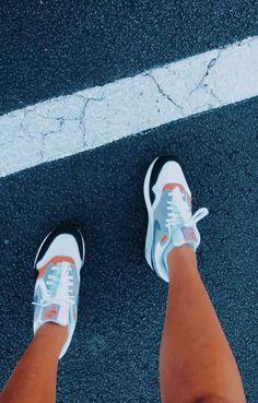 152e98d1914 13 Best Shoes images