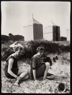 Virginia Woolf and Clive Bell on the beach at Studland Bay, Dorset. 1910