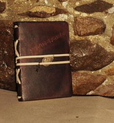Handmade leather journal    engraved with the word pensieri e parole, if you want can personalize it with another word, or your name,
