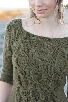 Ravelry: Sophie Pullover pattern by Pam Allen.love the wacky cable! Cable Knitting, Knitting Stitches, Hand Knitting, Clothing Patterns, Knitting Patterns, Tricot D'art, Handgestrickte Pullover, Knit Picks, Knitting Designs