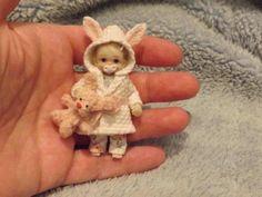 Miniature handmade BABY GIRL TODDLER ooak DOLLSHOUSE ART DOLL HOUSE JOINTED