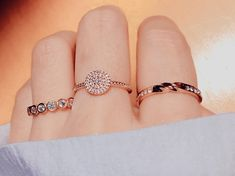 When you read the slogan of Pandora Jewelry you can read that this brand represents exclusive and timeless . Stylish Rings, Stylish Jewelry, Cute Jewelry, Charm Jewelry, Gold Jewelry, Jewelry Rings, Jewelery, Jewelry Accessories, Jewelry Design