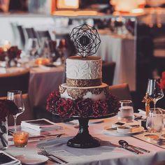 An ultimate glam themed---- Oscar Gala! . . Look at the details of the #sugarflower rose and the sugar lace faint from prettiness ! . .  @winifredkristecake  #kcottagestudio  #sgweddings #wedding #weddings #cakedecor #sugarart #cake #cakes #fondant #sgweddingcake #sgbride #brides #baking #bakes #handmade #sgcustomisedcake #sgweddingcakes #weddingsg #sugarcraft #cakedecorating #sg #bridesg #sgig #birthday #birthdays #macarons #handpainted via: #probeatzpromo