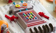 How to make a robot cake - Decorating a robot birthday cake