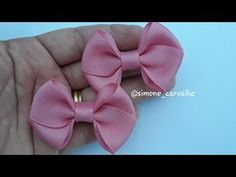 Hair Bow Tutorial, Doll Tutorial, Making Hair Bows, Diy Hair Bows, Chudi Neck Designs, Baby Hair Clips, Burlap Bows, Diy Ribbon, How To Make Bows