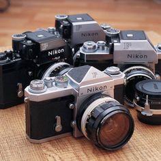 Nikon F : le mythe - suite Nikon Film Camera, Nikon 35mm, Camera Gear, Nikon Cameras, 35mm Film, Old Cameras, Vintage Cameras, Antique Cameras, Nikon Df