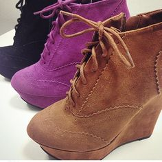 Ace any fashion test with these cute vintage inspired wedges!