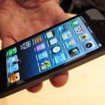 Apple ha presentado hoy la nueva generación de su teléfono inteligente, el iPhone 5, que incluye una pantalla retina de cuatro pulgadas y conexión LTE.