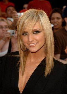 Hairdrobe: Medium Hair with Side Bangs