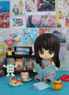"""She Loves to Read!"" Miho-chan figure photo by Sheng Kixkillradio Toy Art, Figure Photography, Toys Photography, Hatsune Miku, Anime Store, Tokyo Otaku Mode, Chibi Characters, Anime Figurines, Anime Merchandise"