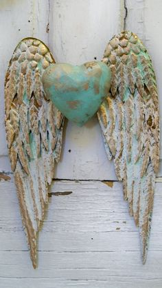 5 Reasonable Tips: Shabby Chic Style Outfits shabby chic diy signs.Shabby Chic Bathroom On A Budget shabby chic desk computer. Shabby Chic Wardrobe, Shabby Chic Dining, Shabby Chic Living Room, Shabby Chic Kitchen, Wooden Angel Wings, Angel Wings Wall Decor, Shabby Chic Interiors, Shabby Chic Homes, Sculpture Textile