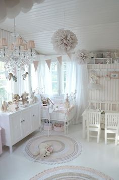 White and pink nursery with shabby chic decor idea - http://myshabbychicdecor.com/white-and-pink-nursery-with-shabby-chic-decor-idea/