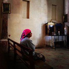 Honduras - Mujer lenca en Iglesia de Yamaranguila por @rafaperez_
