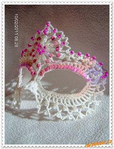 Use a sua criatividade e faça uma linda Máscara de Crochê  e enfeite a seu gosto!   Os trabalhos abaixo não foram feitos por mim!           ...