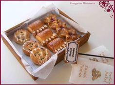 Dollhouse Miniature Food & Handmade 1:12th scale Cakes