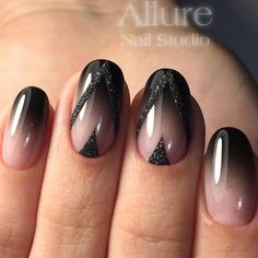 black-nails-cool-ideas-short-oval-nude-o