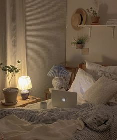 Room Design Bedroom, Room Ideas Bedroom, Bedroom Decor, Bedroom Inspo, Korean Bedroom Ideas, Pastel Room, Minimalist Room, Pretty Room, Aesthetic Room Decor