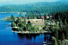 No matter what the season, no matter what you envision, maybe it's an indoor reception or an outdoor wedding. Lake Arrowhead is set high in the San Bernardino Mountains and offers a fabulous resort setting on top of the world.