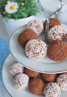 Heute feiert mein lieber Mann seinen Geburtstag. Gleich gibt es bei uns Kaffee und Kuchen. Hier zwei Rezepte für euch: Schokolade- & Pun...