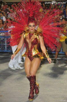 Rio, 2014 - Viviane Araújo, rainha da bateria do Salgueiro. Foto: AGNews.  #samba #carnaval