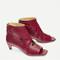 Zarastrawberry Colored Leather Ankle Boots 7.5