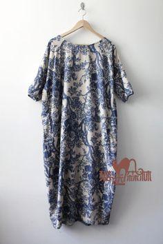 Vestidos maxi - Porcelain Robes Cotton Linen Vintage Robe Dress - hecho a mano por greenhamster en DaWanda