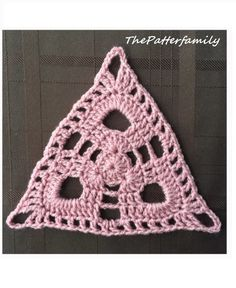 How to Crochet a Triangle Motif Pattern │ by ThePatterfamily. Fiber Glass Full Body Mannequin: h Crochet Triangle Pattern, Crochet Squares, Crochet Granny, Crochet Motif, Crochet Stitches, Crochet Hooks, Crochet Lace, Crochet Patterns, Crochet Afghans