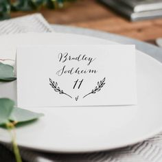 Rustic Wedding Place Cards Template, Printable Wedding Place Cards, DIY Place Cards, 3.5x2 Folded Wedding Table Cards, Rustic Wreath