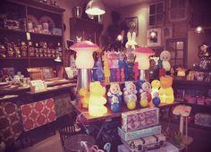 Le Bazar Saint-Rémois - un bazar, une épicerie droguerie à l ancienne pour petits et grands. Boutique in Saint-Rémy-de-Provence, France.