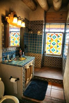 High-end Global Model Earthship in New Mexico. Bad Inspiration, Bathroom Inspiration, Earthship Home, Earthship Biotecture, Interior And Exterior, Interior Design, Tadelakt, Earth Homes, Window Art