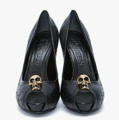 738947fd19c Alexander McQueen skull heels Zapatos Shoes