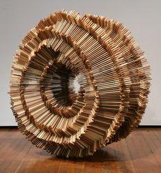 Des bouts de bois assemblés sculpture bois morceaut 01 744x800