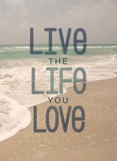 Live the life you love. #hallmark #hallmarknl #inspiratie #quote #love #live #life