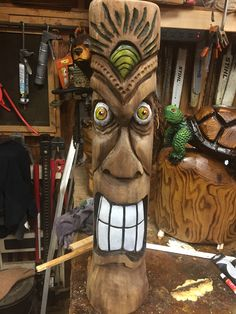 Tiki Bar Stools, Tiki Bar Decor, Wood Carving Art, Wood Art, Wood Carvings, Tiki Faces, Wood Carving For Beginners, Tiki Head, Tiki Statues
